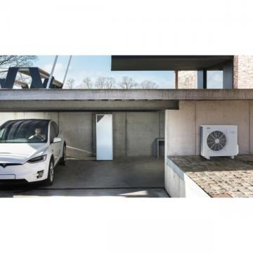 Daikin Air to water 11kw Monobloc Air Source heat pump with 200ltr cylinder